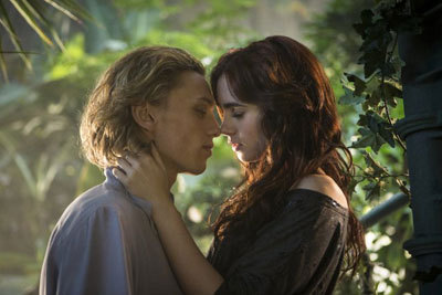 Jace (Jamie) and Clary (Lily) in the greenhouse