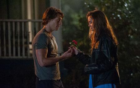 Young Dawson hands Amanda a love token