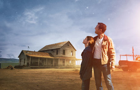 Cooper and daughter (Mackenzie Foy) dream of escaping to the stars