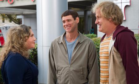 The guys re-meet Fraida (Kathleen Turner)
