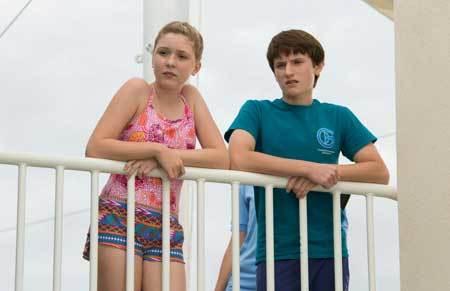 Hazel (Cozi) and Sawyer (Nathan Gamble) at the aquarium