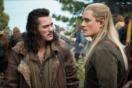 Bard and Legolas (Orlando Bloom) talk battle plans