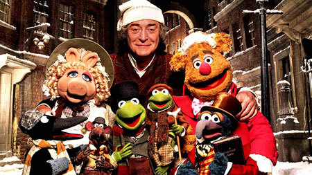 Kermit, Piggy and the gang save Christmas