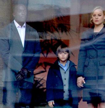 Clara and son David aren't noticed by Robocop