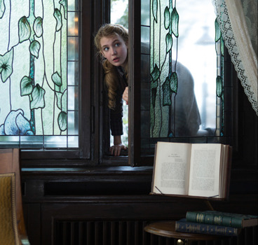 Liesel sneaks into a neighbor's well-stocked library