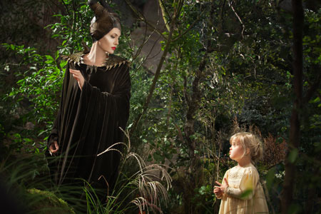 Maleficent meets young Aurora (Vivienne Jolie-Pitt)