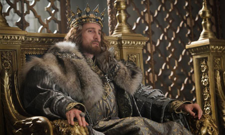 King Stefan (Sharlto Copley)