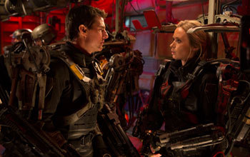 Cage (Tom Cruise) and Rita (Emily Blunt) on the drop ship