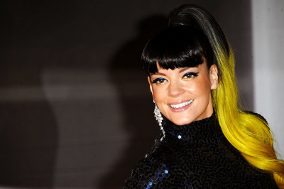 Lily Allen locks look like sunshine