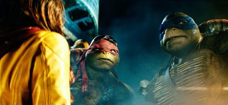 April O'Neil Meets Raphael and Leonardo
