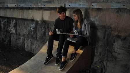 Beckett (Sophia Curtis) and Tobey (Graham Phillips) take a romantic break