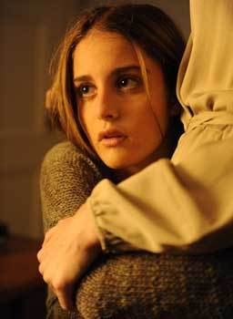 Beckett (Sophia Curtis) mourns her mother's death