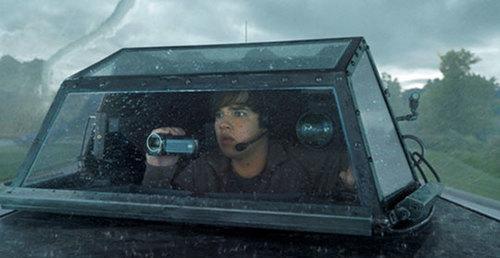 Trey (Nathan Kress) shooting the storm