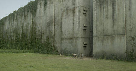 Tiny Gladers vs. the giant maze