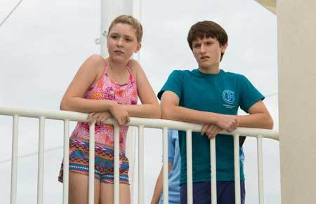 Hazel (Cozi) and Sawyer (Nathan Gamble) at the aquarium
