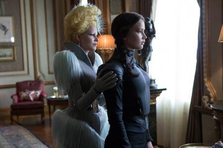 Effie (Elizabeth Banks) with Katniss