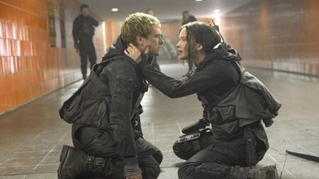 Katniss keeps Peeta going