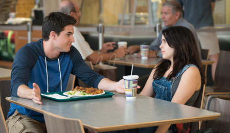 Wesley (Robbie Amell) gives Bianca (Mae Whitman) social advice