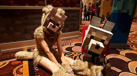 Minecraft Cosplayer dressed as a Wolf!