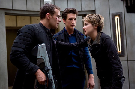 Four doesn't want Tris to turn herself in