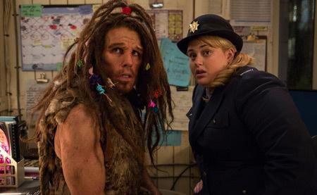 Caveman Laa (Ben Stiller) likes Tilly (Rebel Wilson)