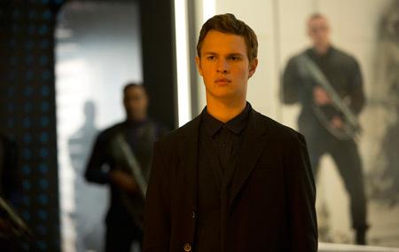 Caleb (Ansel Elgort)