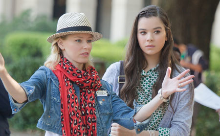 Hailee with director/actor Elizabeth Banks