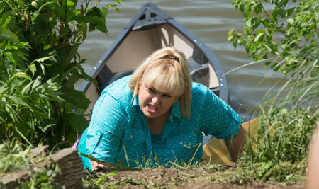 Fat Amy crawls to safety