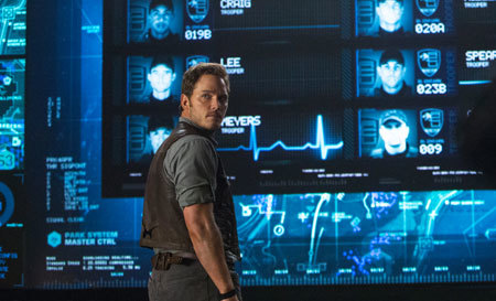 Owen (Chris Pratt) in the Jurassic World control room