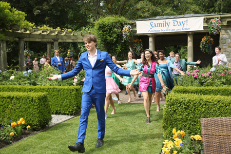 Ben (Mitchell) leads the kingdom to celebrate a family day