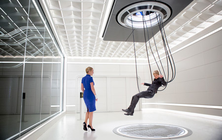 Jeanine and Tris in the simulator room