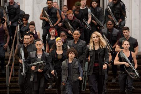 Dauntless army including Lynn and Marlene
