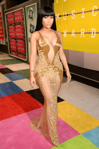 Nicki Minaj looks like a queen in gold
