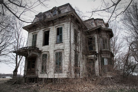 This haunted house in Ohio is one of the most haunted in America!
