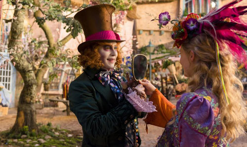 Alice returns to the whimsical world of Underland and travels back in time to save the Mad Hatter