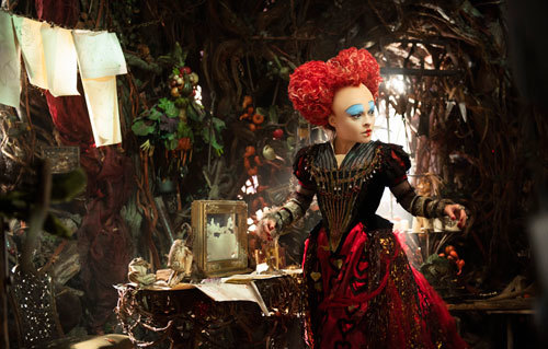 Red Queen in her chamber