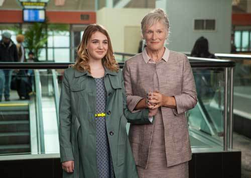Gilly (Sophie) with her grandmother (Glenn Close)