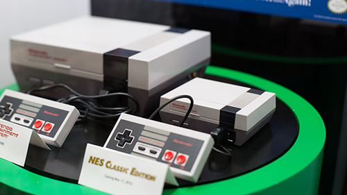 The new NES: Classic Edition compared the original Nintendo Entertainment System.