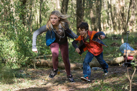 Cassie and Sam on the run