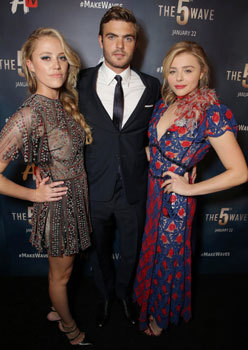 Maika with Alex Roe and Chloë Moretz at premiere