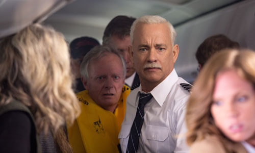 Sully helps evacuate passengers