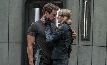 Tris rescues Four
