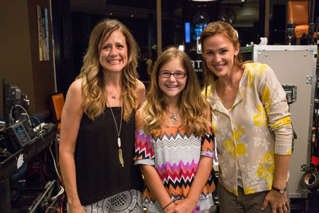 Jennifer Garner on set with the real Christy and Anna