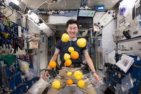 Juggling runaway fruit!