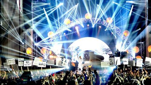 MTV streamed the EMA's in 360 degree VR in 2015.