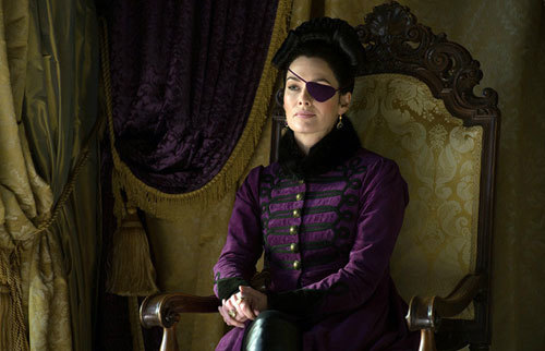 Warrior Aunt Lady Catherine (Lena Heady) in her eyepatch