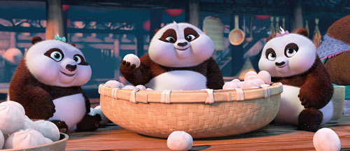 Baby pandas chow down like Po