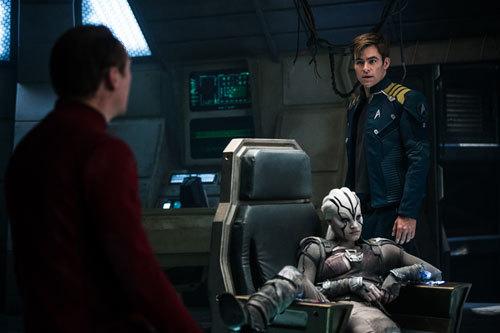 Alien warrior Jaylah takes over the captain's chair