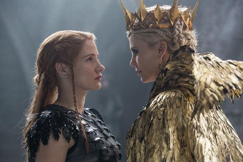 Warrior Sara faces off against the Evil Queen Ravenna