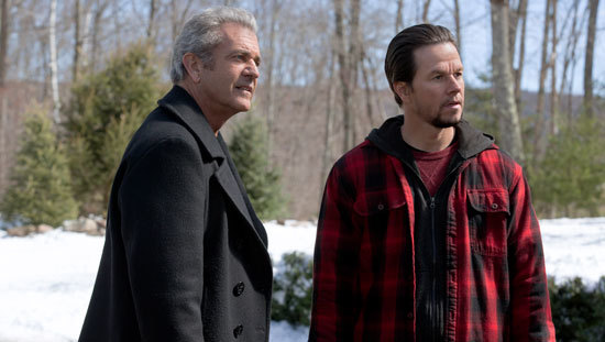 Kurt (Mel Gibson) and Dusty (Mark Wahlberg) check out family drama